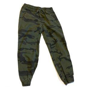Aritzia TNA Camouflage Pants - Women's Size Small